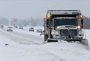 Major snowstorm lashes US Great Plains, heads east
