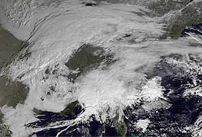 Blizzard threatens US Northeast; over 1700 flights cancelled