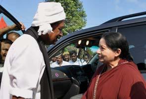 Jayalalithaa's friendly run-in with rival Vaiko