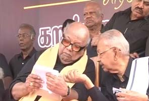 Karunanidhi leads protests against Sri Lankan president's visit