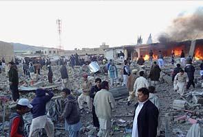 Bomb rips through market near Quetta in Pakistan, police say 79 killed
