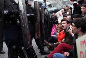 Clashes at French anti-gay marriage protest