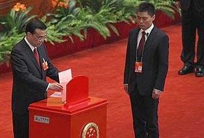 China picks Li Keqiang as new premier