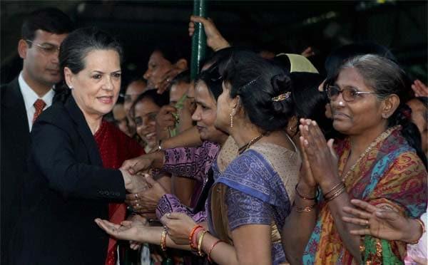 All-women bank: Women's groups 'thank' Sonia Gandhi; Justice Verma slams it