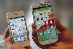 Samsung-Apple lawsuit penalty of 1 billion dollar slashed in half