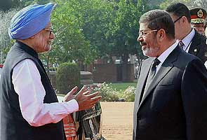 India, Egypt ink seven pacts after PM holds talks with Mohamed Morsi