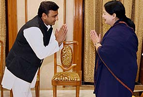 'We need a Third Front,' says Akhilesh Yadav, meets J Jayalalithaa