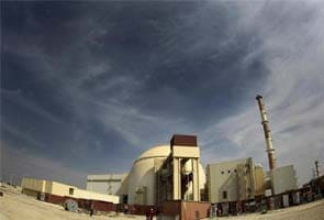30 killed in strong quake near Iran nuclear plant