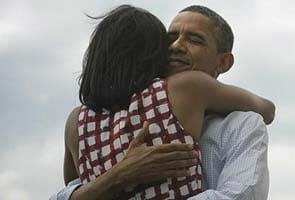Obama image machine whirs as press access narrows