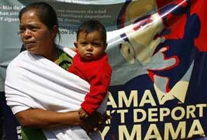 Migrants to Barack Obama: Don't deport Mama