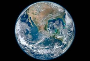 Water on Earth and Moon may have same source