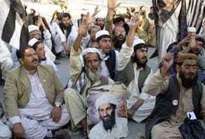 Hundreds in Pakistan pay tribute to Osama bin Laden