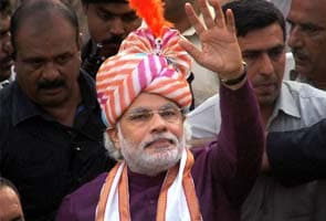 Manmohan Singh not allowed to speak in Delhi, says Narendra Modi