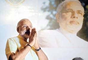 Narendra Modi urges Mumbai's businessmen to set up shop in Gujarat