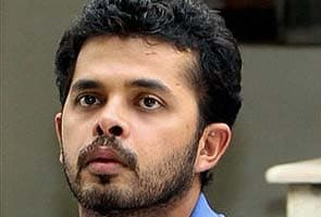 Spot-fixing: Sreesanth talked to bookie friend after 'fixed' over, allege police