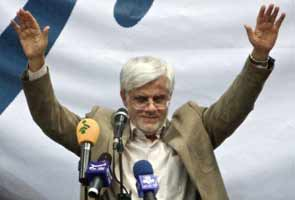 Iran's reformist leader Mohammad Aref quits presidential race