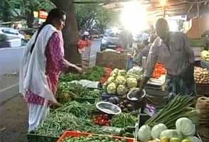 After the big idli hit, Jayalalithaa offers veggies, mineral water