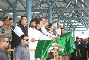 PM, Sonia Gandhi inaugurate first rail link to Kashmir valley
