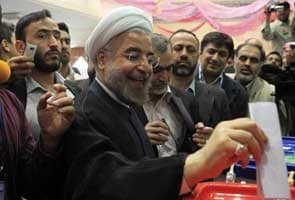 Early vote count in Iran gives Hasan Rowhani wide lead