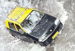 Mumbai rain puts 12,000 taxis out of action