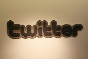 Twitter back online after brief outage