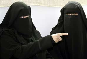 Women roaming alone in markets spread vulgarity: Pakistan clerics