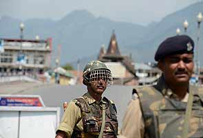 Curfew remains in force in Kashmir Valley for the second day