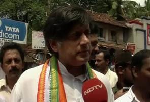 Shashi Tharoor discharged in national anthem case