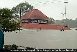 Kerala rains: Kochi airport closed for second day, devotees throng nearly submerged temple