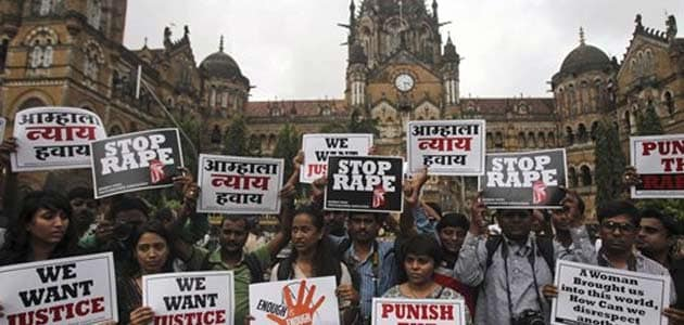 Broken beer bottle held over Mumbai gang-rape survivor's head