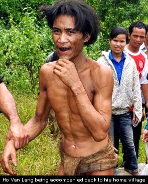 Vietnam war pair in village after four decades in forest
