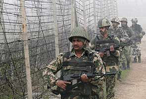 Massive retaliation by Indian Army after 3 jawans injured by Pak troops in Poonch, Jammu and Kashmir