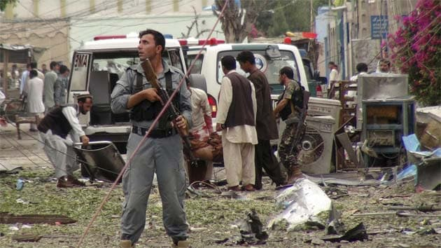 suicide bombing in pakistan The islamic state has claimed responsibility for a suicide bombing at a voter registration office in kabul, afghanistan earlier today it is the latest in.