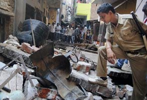 Five people killed after building collapses near Allahabad