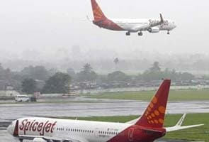 Air fares likely to go up by 10 percent after jet fuel price