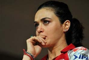 Preity Zinta faces non-bailable arrest warrant for bounced cheque of 18 lakh