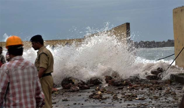 Cyclone Phailin triggers India's biggest evacuation operation in 23 years