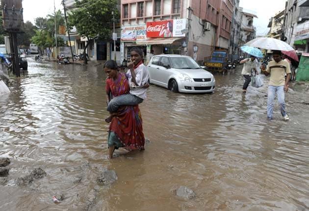 Cyclone Phailin intensifies, high alert for Andhra Pradesh, Odisha