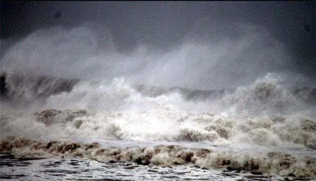 Cyclone Phailin makes landfall near Gopalpur in Odisha: latest developments