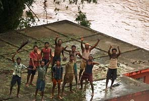 Cyclone Phailin aftermath: Over two lakh marooned due to floods in Odisha, situation 'critical'