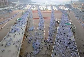 Indian volunteers form largest group to serve Haj pilgrims