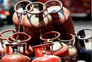 LPG cylinders to be available at petrol pumps