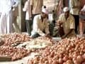 Poll panel allows Delhi government to sell onions at cheaper rate