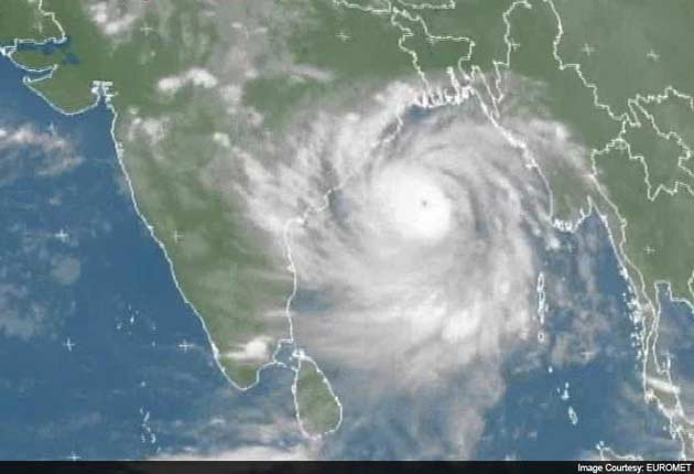 Heavy Rain Lashes Odisha As Cyclone Phailin Advances