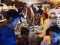 Cyclists in India face a daily Darwinian battle on roads