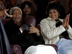 Nelson Mandela still 'stable but critical', responding to treatment