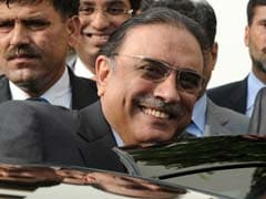 Pakistan government says can't reopen graft cases against Asif Ali Zardari