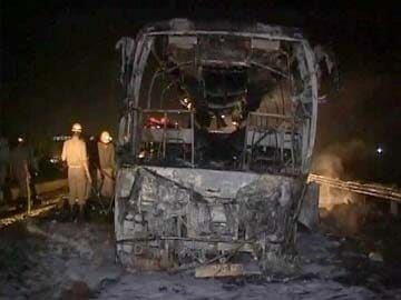 7 killed as luxury bus in Karnataka catches fire, driver and owner
