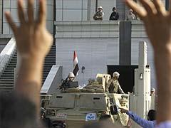 Mohamed Morsi goes on trial in tense Egypt