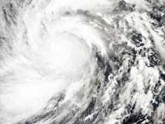 Mass evacuation as Super Typhoon Haiyan closes in on Vietnam